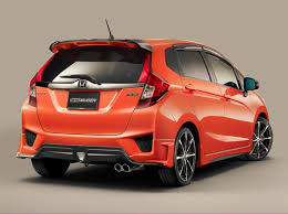 Honda Jazz Review, Mileage, Price