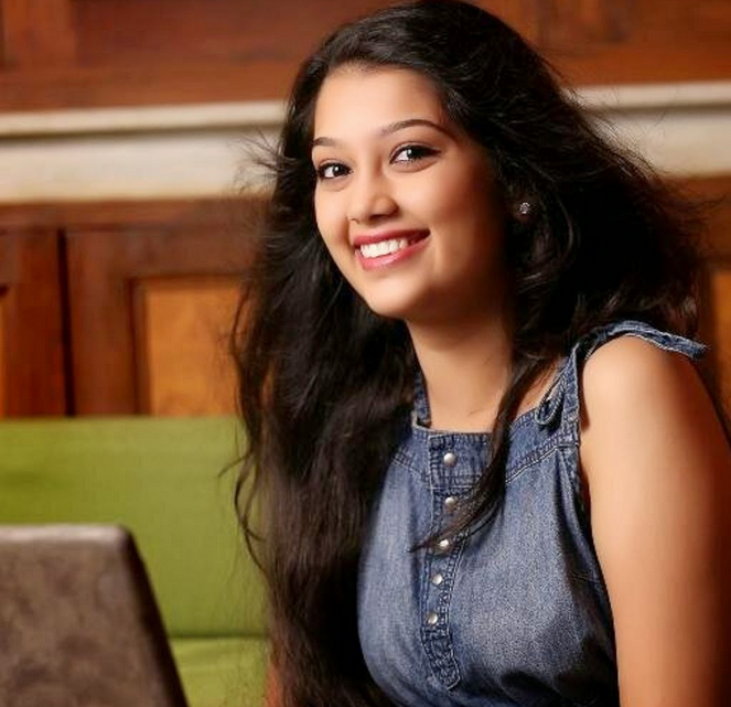 Bigg Boss 9 Double Trouble Digangana Suryavanshi Cute Sexy Hot Unseen Pictures,Photos Leaked 2