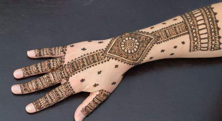 simple-and-easy-henna-design