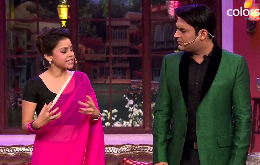 Juhi Chawla in CNWK Comedy Nights With Kapil 26th December Full Episode Show HD Video